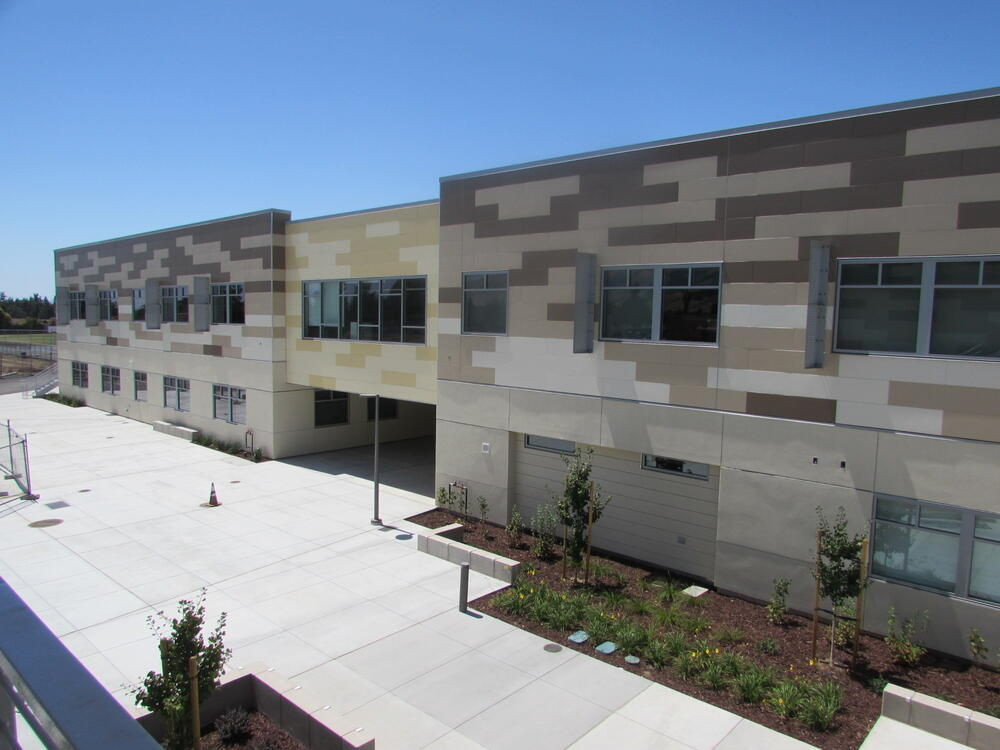 Courtyard and new building at Horner Middle School.