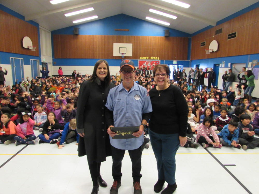 Grimmer Elementary s Dave McCarthy presented with  Superintendent Shout Out  December 18th.